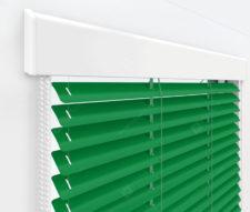 Жалюзи Изолайт 25 мм на пластиковые окна - цвет чистый зеленый